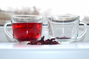 37633212 - red hibiscus tea